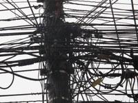 Luiz Duarte pede esclarecimentos sobre a situação dos emaranhados de fios na cidade com empresas de telecomunicação